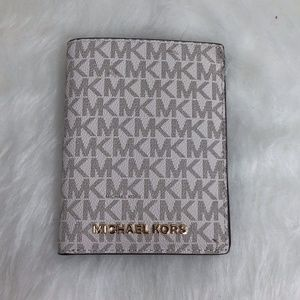 Michael Kors Vanilla Passport Holder